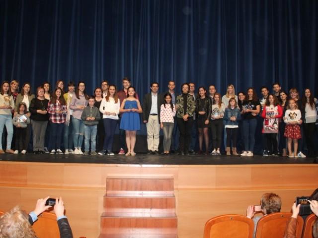 18 obres de teatre de 15 centres educatius d'Alcoi en la segona edició de la Mostra de Teatre / Ajunt. Alcoi