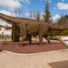 Un dinosaure a tamany real instal·lat en el jaciment de Lo Hueco, dins de la ruta dels dinosaures de Cuenca.