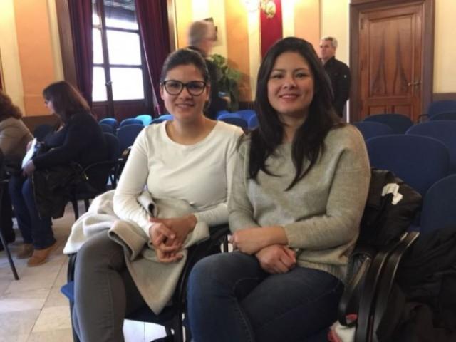 Familiars de Víctor Parada al plenari d'Alcoi / R. Lledó