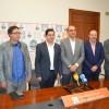 Alberto Belda, Manuel Palomar, Toni Francés i representants de la UA / R. Lledó