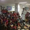 Alumnes de Primària del col·legi Sant Roc d'Alcoi celebren el dia del xiquet hospitalitzat, amb el seu projecte contra el càncer infantil / San Roc