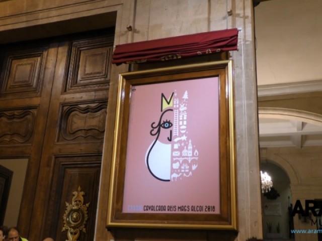 Amb l'encesa de llums i el cartell de la Cavalcada d'Óscar Climent, ja és Nadal a Alcoi