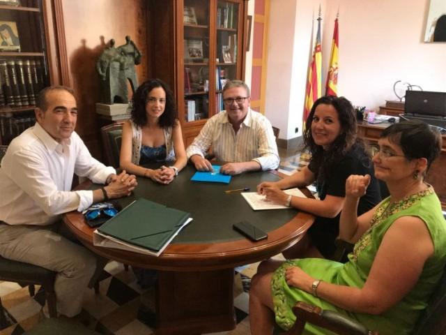 Signatura del conveni a Cocentaina per a la redacció del Pla Director del Palau