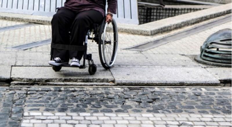 Imatge d'Avançar d'un pas de vianants a la plaça d'Espanya
