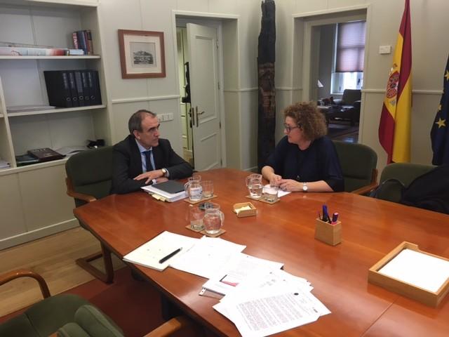 Loli Alba, amb el secretarij general d'infraestructures/PP