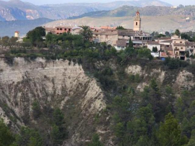 El Barranc de Caraita, molt a prop de les vivendes a Benillup