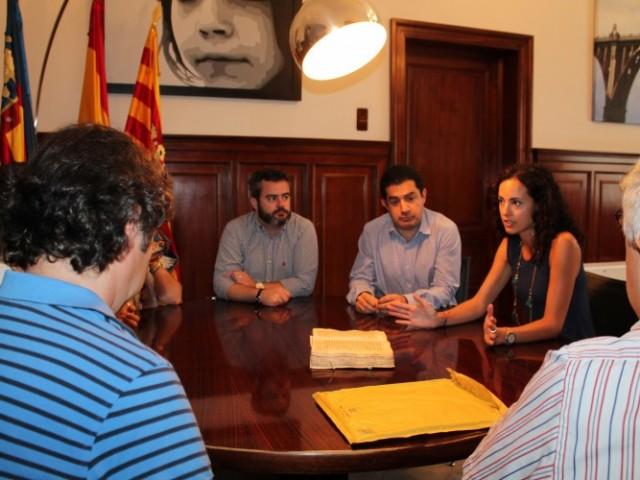 Reunió entre representants alcoians i contestans / Ajuntament de Cocentaina