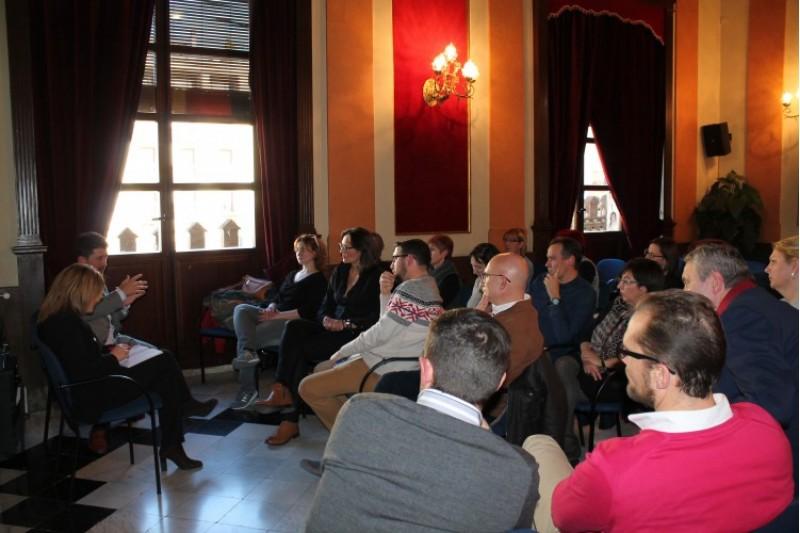 Reunió dels comerciants amb la regidora Vanessa Moltó i el director de comerç/Aj