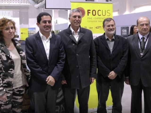 Júlia Company, Toni Francés, Rafa Climent, Manolo Gomicia i Jesús Casanova al Focus Pime a Alcoi / AM