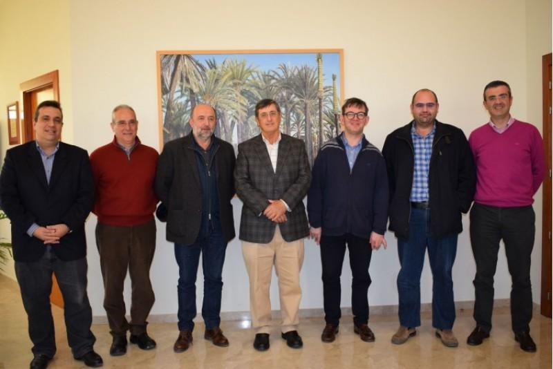 Acte de constitució de la nova càtedra amb el rector de la UMH, el director d'El Celler de la Muntanya, elprofessor David López, i altres representants de la universitat i el celler