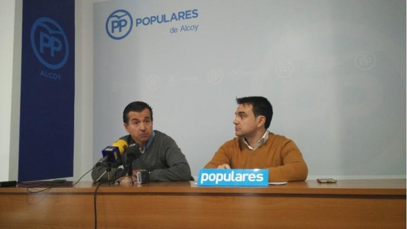 El portaveu popular Rafa Miró i el regidor Natxo Palmer/AM