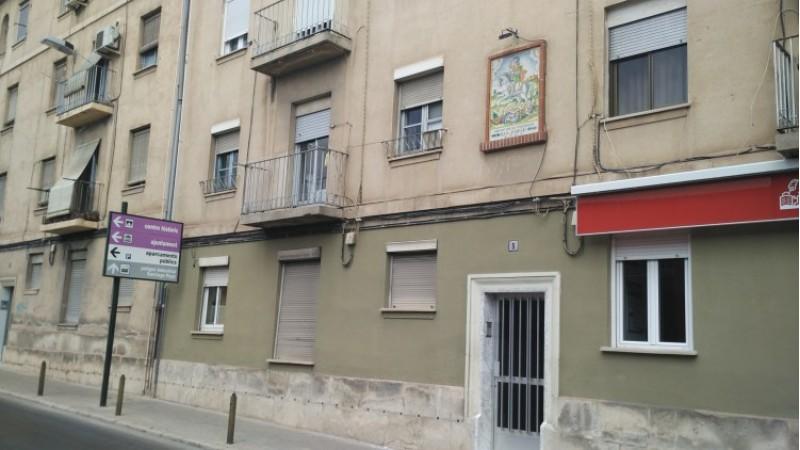 El grup de vivendes Sant Jordi, al carrer Entença