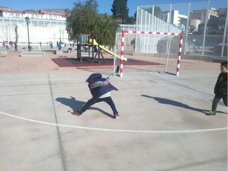 Els alumnes del CEIP Miguel Hernández d'Alcoi coneixen la pilota valenciana / CEIP
