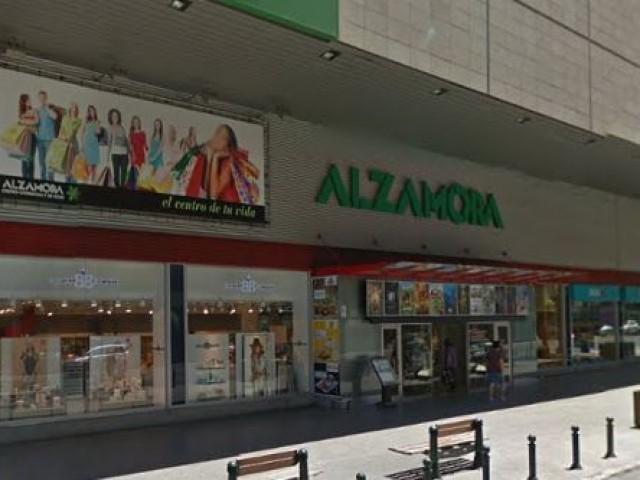CC Alzamora, una de les grans superfícies d'Alcoi / Google Maps
