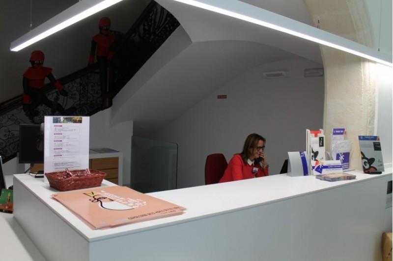El tracte telefònic de la Tourist info d'Alcoi és el tercer millor a la Comunitat / Ajuntament Alcoi