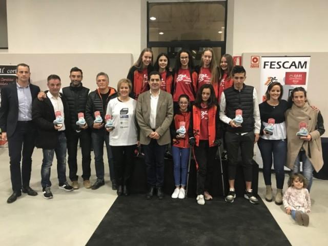 Els guardonats amb l'alcalde Toni Francés i el regidor Alberto Belda / Ajuntament d'Alcoi