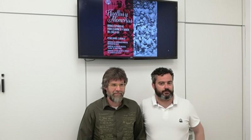 Àngel Lluís Ferrando i el regidor Raül Llopis anuncien la presentació del disc