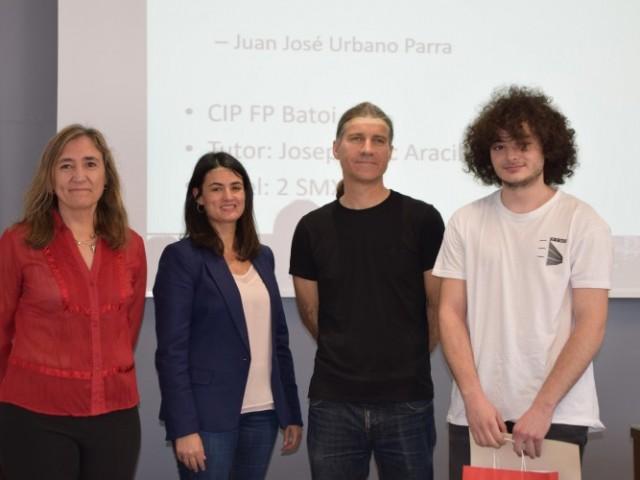 Juan José Urbà Parra del CIP FP Batoi d'Alcoi i Jordi Linares Carrasquer d'Agora Labl, guanyadors de la tercera edició del Concurs de Videojocs / UPV