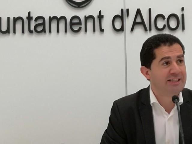 L,alcalde Toni Francés, presenta la nova edició d'Avalem Joves