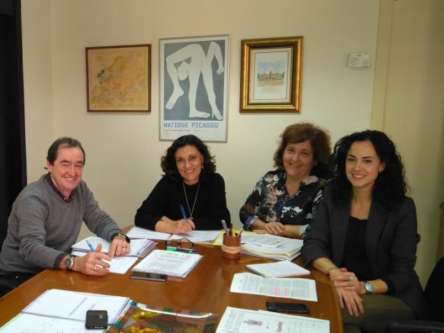 Representants municipals amb responsables de la Conselleria durant una passada reunió./ AM