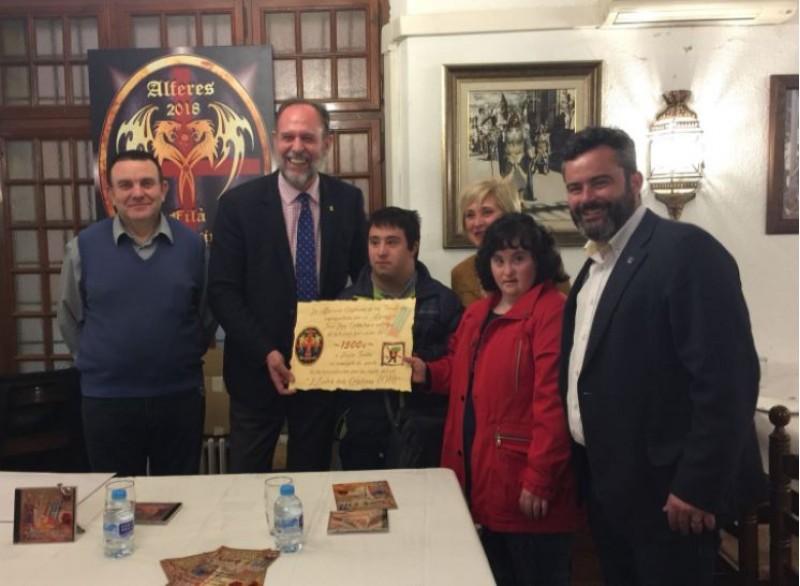 Luis, Castelló, José Luis Calbo, Toya Valls, Raül Llopis i alumnes de Faula Teatre / R. Lledó
