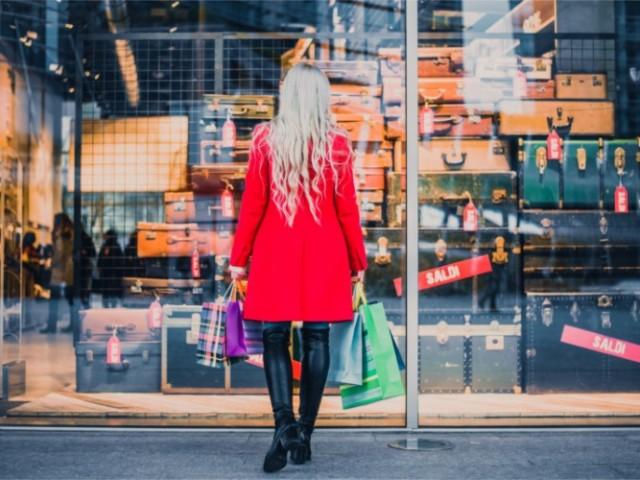 L'OMIC adverteix els consumidors d'Alcoi a l'hora de comprar en les rebaixes
