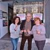 L'Administració de Loteria d'Albaida celebra el quint premi, que ha deixat 42.000 euros en la localitat veïna