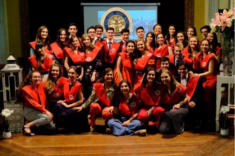 La IV promoció de Batxiller del Col·legi Sant Roc d'Alcoi celebra el lliurament de les condecoracions acadèmiques / Sant Roc