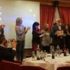 Un representat de cada partit politiic ha lliurat el reconeiximent a les enitats alcoianes