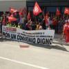 Representants de CCOO es concentren a les portes d'ATEVAL en el dia de la vaga, 19 de juliol/CCOO