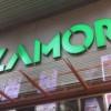 Exterior del CC Alzamora, una de les superficies amb llibertat horaria / AM