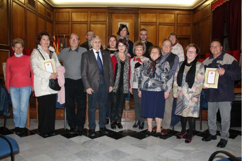 Lliurats els premis al Saló de Plens de l'Ajuntament d'Alcoi del Concurs Literari de les aules de la tercera edat / 'Ajuntament d'Alcoi