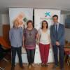 """L'obra Social """"La Caixa"""" lliura 3500 € a l'Associació Comarcal d'ajuda en el tractament contra el Càncer d'Alcoi / SOLC"""