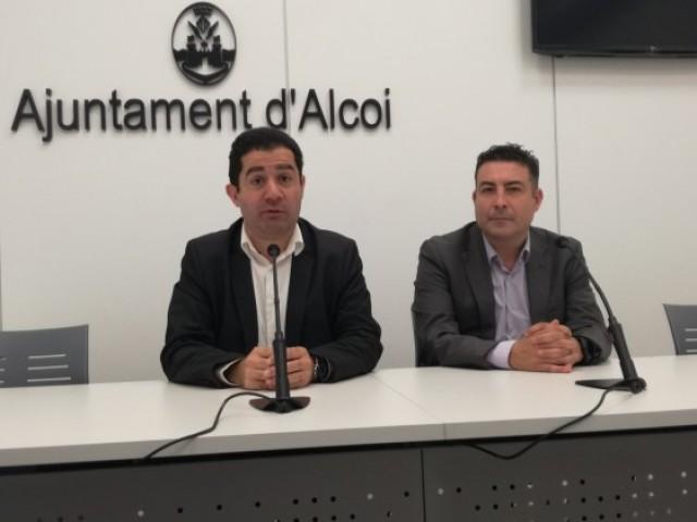 L'alcalde Toni Francés i José Manuel Plaza, de Telefónica, anuncien la nova antena per a les urbanitzacions de l'est d'Alcoi