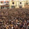 Rius de gent a la Plaça Espanya / AM