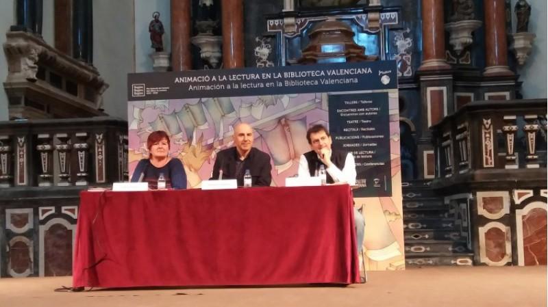 Tot un èxit a la Trobada d'Escriptors amb l'alcoià Silvestre Vilaplana / gva
