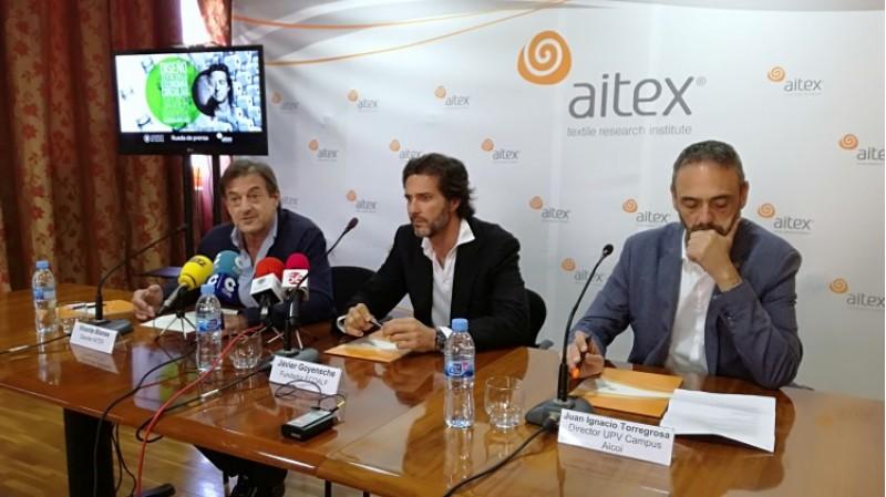 Javier Goyeneche, al centre, amb els directors d'AITEX i del campus d'Alcoi de la UPV