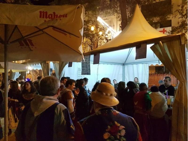aFira Tapa i Festa, de nit, en una imatge de l'Ajuntament d'Alcoi