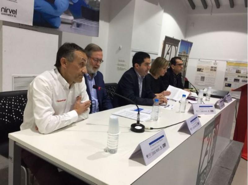 Presentació del segon encontre sobre investigació del càncer / R. Lledó