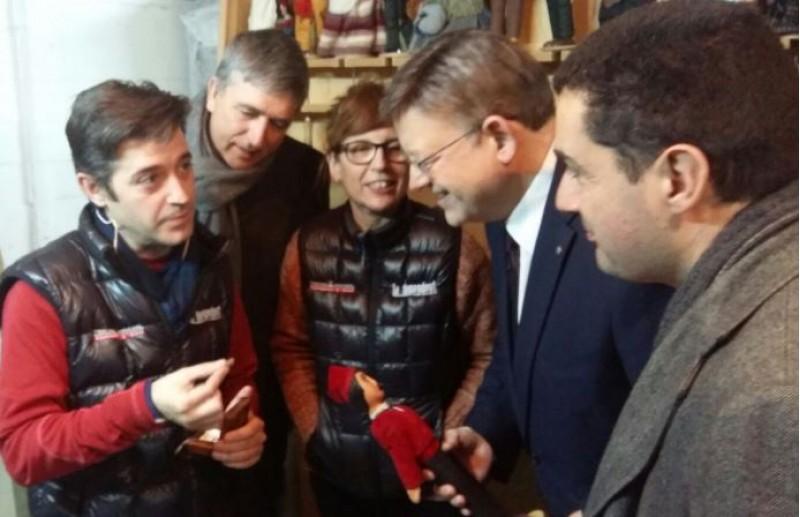 Autoritats visiten la tramoia del Tirisiti / AM