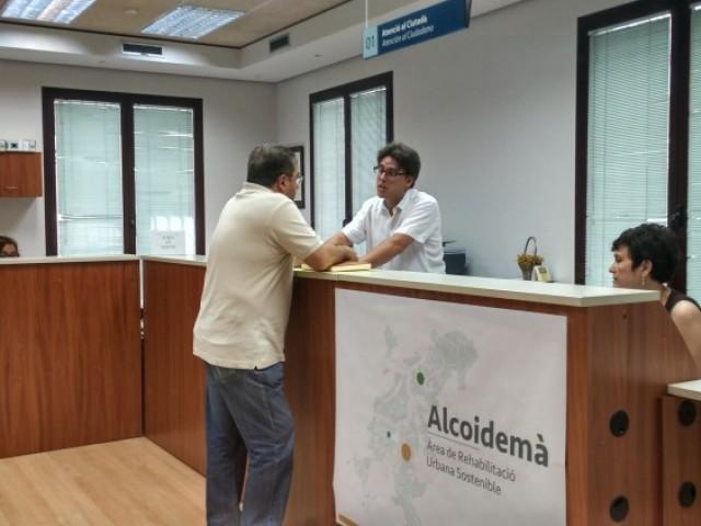 L'oficina ARRU, al carrer Sant Llorenç d'Alcoi/AM