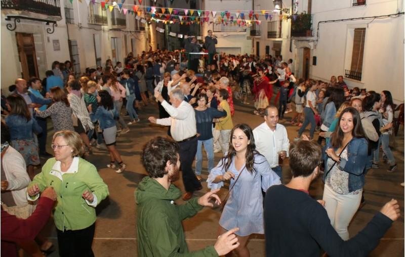Danses Benilloba/Facilitat per l'Ajuntament de Benilloba