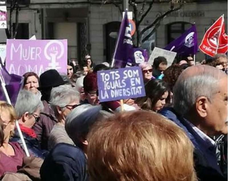 Manifestació de dones en València//Via Google